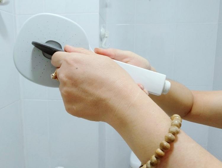 Cách khắc phục nước yếu khi tắm vòi sen - ảnh 2