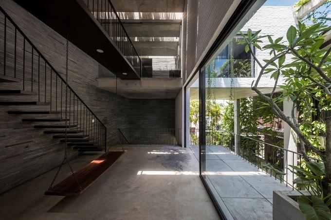 Bể bơi 12 mét trong lòng nhà Đà Nẵng