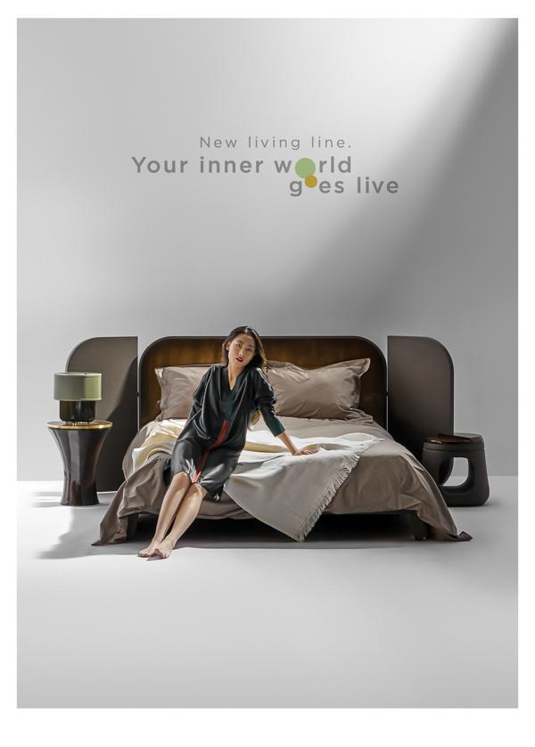 Phòng ngủ với đồ nội thất sơn mài.