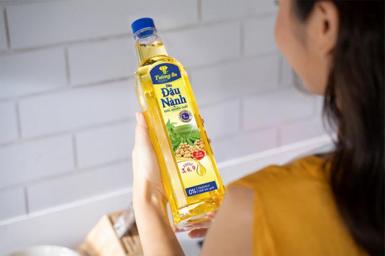 Tường An cam kết dầu ăn 0% cholesterol, 0% chất bảo quản, 0% transfat, 0% chất tạo màu.