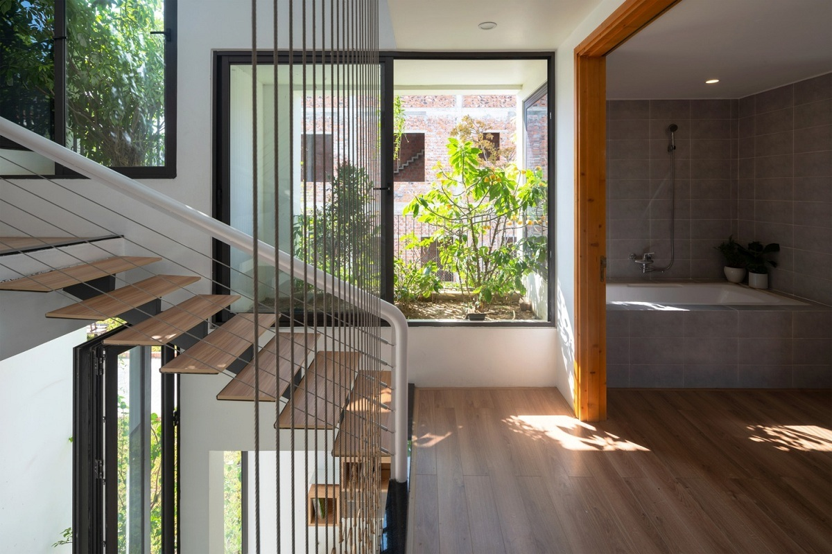 Ngôi nhà tưởng 3 tầng hóa 5