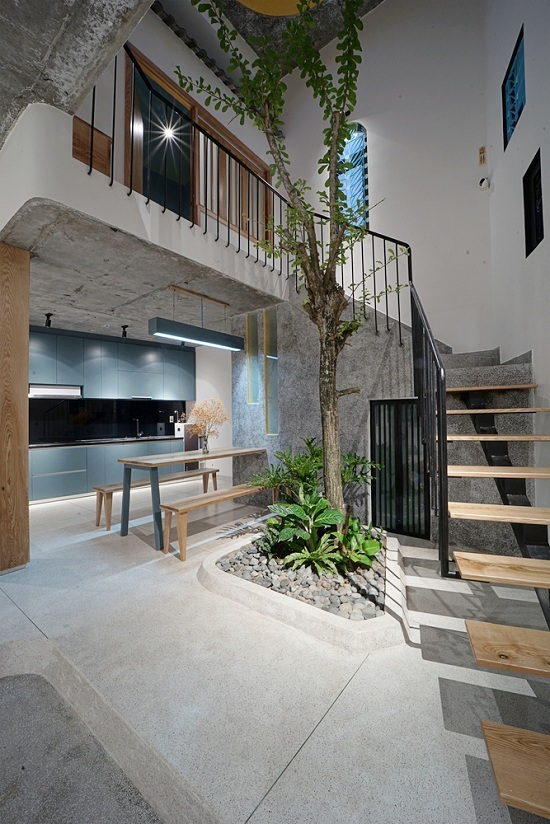 54 1578473289 680x0 - Ngôi nhà hai tầng trên mảnh đất méo 60 m2 ở Đà Nẵng