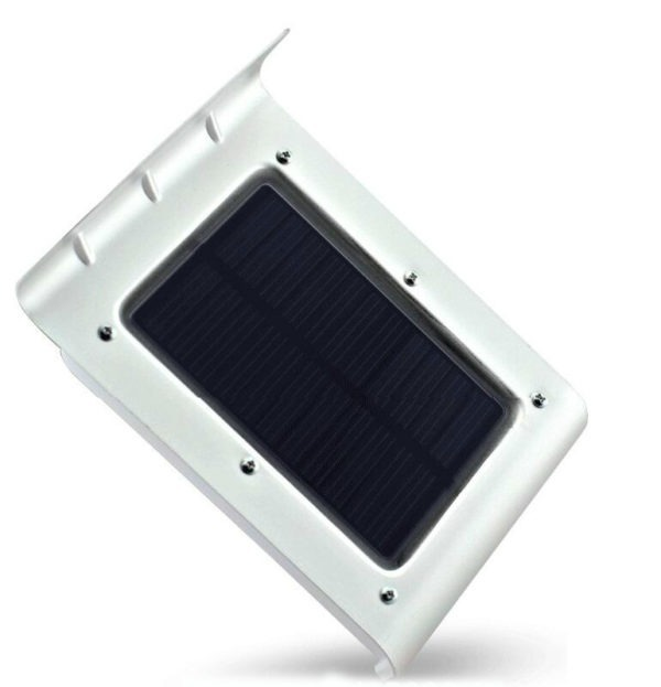 Đèn năng lượng mặt trời hiệu Luva dùng cho sân vườn có chống nước. Sản phẩm sử dụng 100% năng lượng mặt trời, không có hệ thống dây điện, lắp đặt  đơn giản, thiết kế đơn giản, đẹp mắt. Đèn vừa dùng trang trí, có tác dụng chiếu sáng, tăng cường an ninh gấp ba lần. Ban ngày sản phẩm nạp năng lượng từ ánh sáng mặt trời, sau đó chuyển hóa thành năng lượng điện và tích lũy vào pin ở bên trong.Ban đêm cảm biến ánh sáng trên đèn sẽ phát hiện bóng tối và tự động chuyển chế độ từ ngủ (ban ngày) sang hoạt động, đèn sẽ phát ánh sáng mờ.Khi có người đi vào vùng cảm biến hồng ngoại hoặcâm thanh, đèn sẽ phát sáng, soi rõ khu vực 20 mét vuông. Sản phẩm có giá ưu đãi 30% trên Shop VnExpress, giảm còn 299.000 đồng.