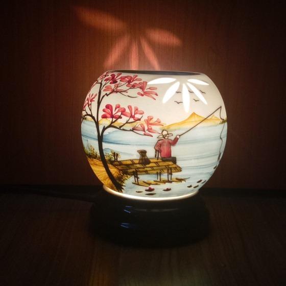 Đèn xông tinh dầu gốm sứ bát tràng phong cảnh làng quê size