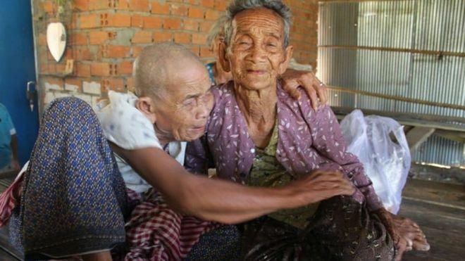 Cụ bà 98 tuổi đoàn tụ chị gái sau 47 năm xa cách - ảnh 1
