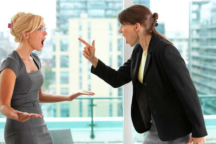 Người không trung thực gây ra các cuộc cãi vã vô lý ở nhiều chủ đề khác nhau. Ảnh minh họa: Getty