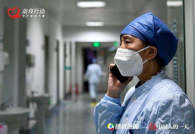 Bác sĩ chăm chồng nhiễm nCoV - ảnh 1