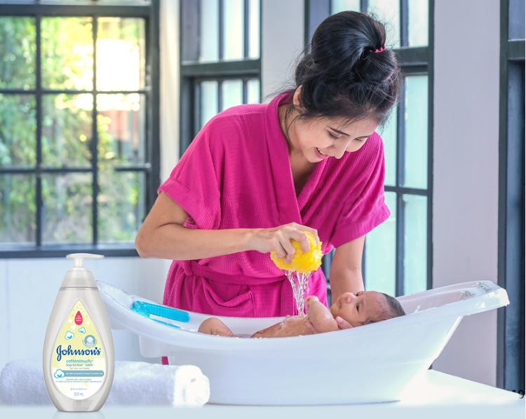 Johnson's góp phần giúp bé yêu thích việc tắm gội.