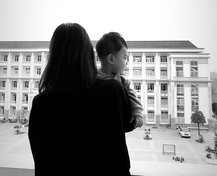 Những bé ẵm ngửa, rời tay mẹ về Việt Nam tránh dịch - ảnh 2