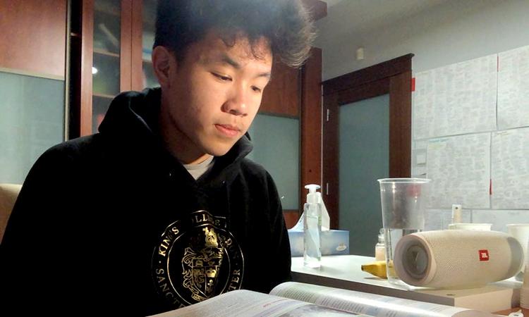 Một tuần tự chữa Covid-19 của chàng trai gốc Việt - ảnh 2