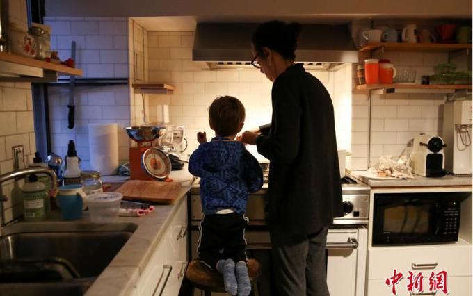 Cuộc sống một gia đình New York trong đại dịch