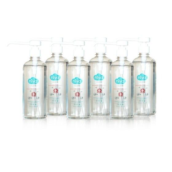 Combo 6 chai gel rửa tay sát khuẩn Niva, dung tích 285 ml mỗi chai, có giá 520.000 đồng. Shop VnExpress tặng kèm theo combo hai hộp khẩu trang ba lớp Niva, mỗi hộp 20 chiếc. Bộ sản phẩm có giá 520.000 đồng.