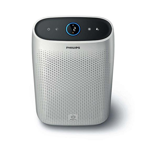 Máy lọc không khí ac1214, thương hiệu Philips, sản xuất tại Đức, nặng 6,2 kg, kích thước32,5 x 21 x 54,3 cm, phù hợp với cả nhà có diện tích nhỏng cư nhỏ.Công suất 300 W, máy có thể làm sạch các phòng có diện tích lên tới 63m. Tốc độ phân phối không khí sạch (CADR) cao (270m³/h), máy làm sạch hoàn toàn một không gian có diện tích 20m² chỉ trong 11 phút.   Máytích hợp điều khiển thông qua Wifi và smartphone,có thể kết nối qua mạng WLAN bằng các thiết bị với hệ điều hành iOs 9.0 hoặc Android 4.4 trở lên.  Với màng lọc Hepa, màng lọc than hoạt tính và màng lọc trước, máy có thể loại bỏ nhiều chất ô nhiễm như phấn hoa, bụi, vi khuẩn, vi rút, nấm mốc, khói, bụi mịn, các hạt siêu mịn có kích thước 0,02μm và thậm chí cả khí và mùi trong không khí. Các bộ lọc phải được thay thế sau khi sử dụng sau khoảng một năm (bộ lọc AC) hoặc hai năm (bộ lọc HEPA).   Ở chế độ không tải, bộ lọc không khí làm giảm tốc độ quạt và tiếng ồn (còn 32 dB) để bạn có thể ngủ yên. Đèn báo có thể được làm mờ hoặc tắt khi cần thiết. Máy có giá niêm yết 9 triệu đồng, đang được bán ưu đãi với giá 8.065 triệu đồng.