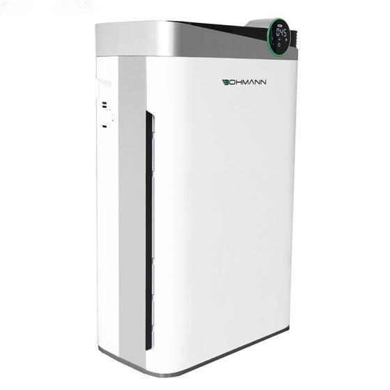 Máy lọc không khí B4.02 của thương hiệu Bohmann ngoài diệt khuẩn, khử mùi còntích hợp thêm chức năng bù ẩm, tạo ion âm giúp đẹp da nhờ sử dụng 5 lớp màng lọc: màng lọc sơ cấp, xúc tác lạnh, than hoạt tính, màng lọc kháng khuẩn và HEPA+. Máy có công suất 85W, công suất lọc nhanh 488m3/h, phù hợp với diện tích sử dụng 34-55m2. Nặng11,3 kg, dài 401 mm, rộng 232 mm, cao 662 mm, máy có thể đặt được ở nhiều vị trí trong nhà. Sản phẩm có giá 7,08 triệu, giảm 3% còn 6,88 triệu đồng.