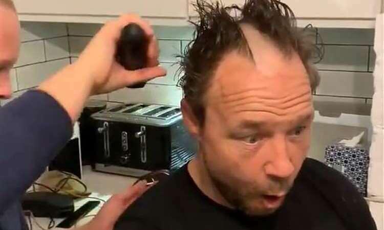 Những ''phiên bản lỗi'' khi cắt tóc tại nhà - Đời sống