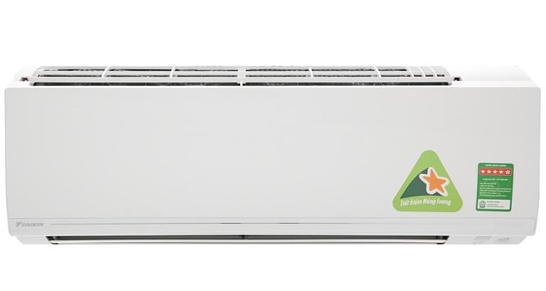 Dòng sản phẩm FTKM25SVMV hay FTKC25UAVMV của Daikin với độ ồn vận hành dàn lạnh có thể xuống đến mức thấp nhất là 19 dB (A) - nhẹ như tiếng lá rơi - khi cài đặt ở chế độcả dàn nóng và dàn lạnh hoạt động êm.