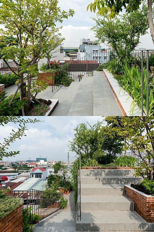 Công viên trên mái với hàng chục loại cây là nơi thư giãn yêu thích của gia chủ. Ảnh: Quang Trần.